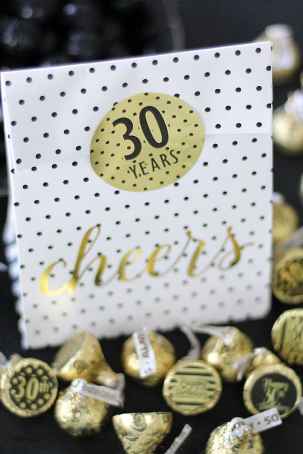 Black And Gold 30th Birthday Metallic Foil Party Circle Labels These Favor Sticker Fit On A Variety Of Items To Make Theme