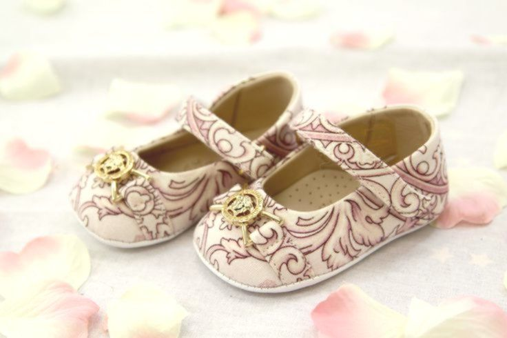 YOUNG VERSACE BABY GIRLS PINK SHOES