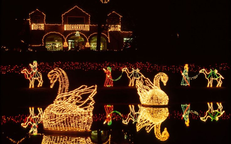 Alabama For two decades, Bellingrath Gardens and Home has been the place to see holiday lights in Alabama, and this year's display lives up to the reputation with more than 1,000 set pieces, and 3 million lights spread throughout the 65-acre estate. Santa is available for photos each evening until 9 p.m., and rumor has it the Elf on the Shelf will be stopping by December 21st.