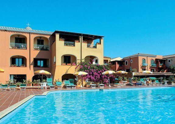 Sardegna - Orosei/Cala Ginepro - Club Hotel Torre Moresca **** A soli 14 km da Orosei, in località Cala Ginepro >> Futura Vacanze