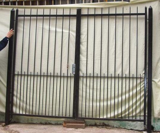 109 best images about portones de hierro on pinterest for Demoliciones puertas antiguas