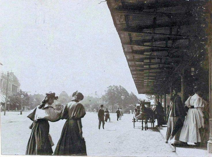 Københavns anden Hovedbanegård den 26. juni 1895 på Vester Farimagsgade (Axeltorv). Fra kb.dk