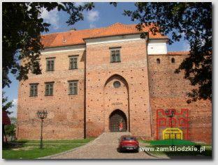 Łęczyca. Dom Nowy i wieża bramna.