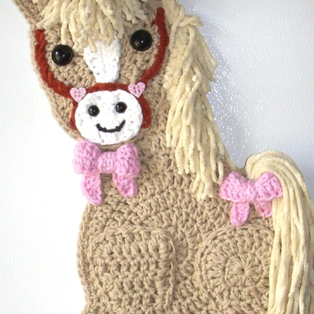 Crochet Horse. Wall hanging. My own design. No pattern. By Jerre Lollman
