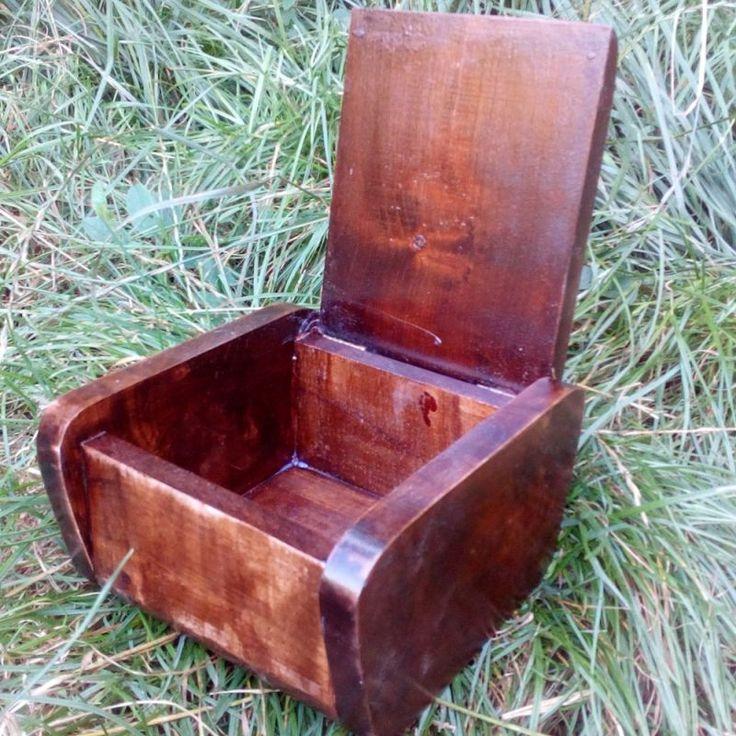"""KADORIS.RO: """"OLD PAPA"""" - caseta pentru tutun, țigări sau trabucuri (lemn natur)"""