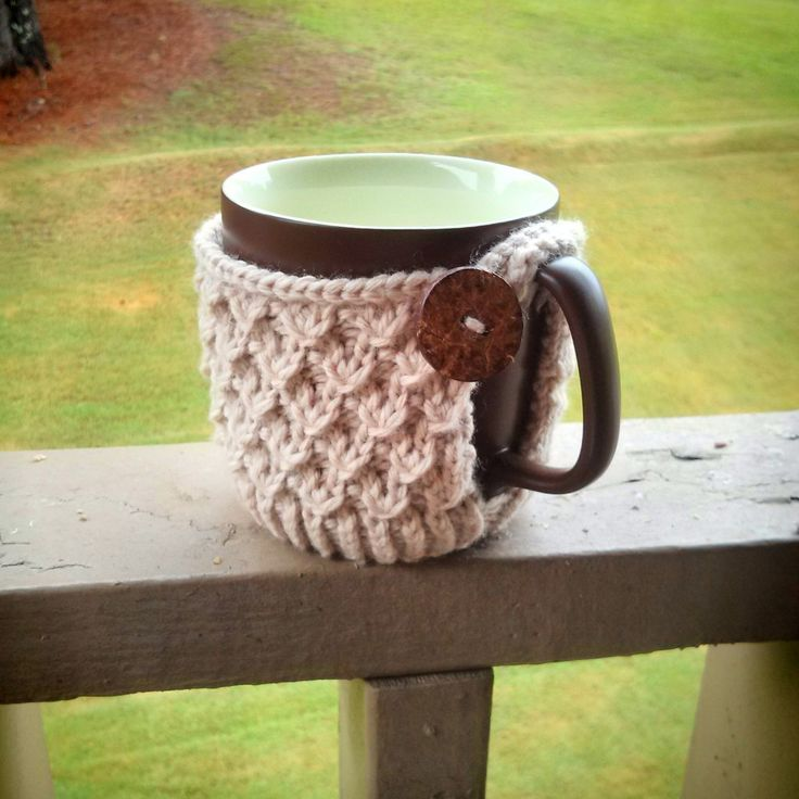 Diagonal Knot Mug Cozy #diy #knitting #fashion