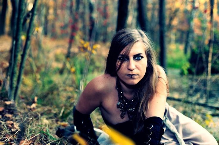 Feel some black magic? #witch #cosplay #autumn #swamp #warhammer #forest