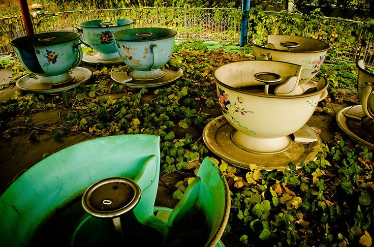 This Abandoned Theme Park In Japan Will Give You ChillsViridian Vixen