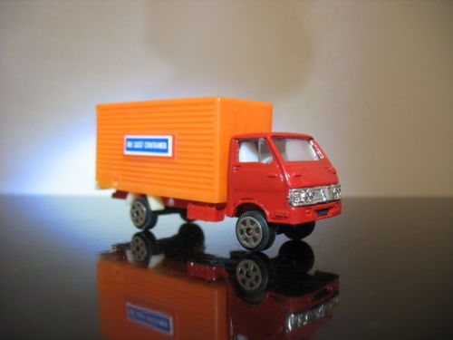 Vintage-Delivery-Cargo-truck-made-in-Hong-Kong-Pencil-sharpener-diecast-80-S
