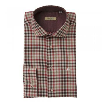 A gingham checked shirt with browns, reds and camels, with a subtle salt and pepper effect. The Jasper is a tailored fitting shirt. Features include, contrasting inside-collar, cut-away collar, adjustable single-cuff and an embroidered wolfhound.