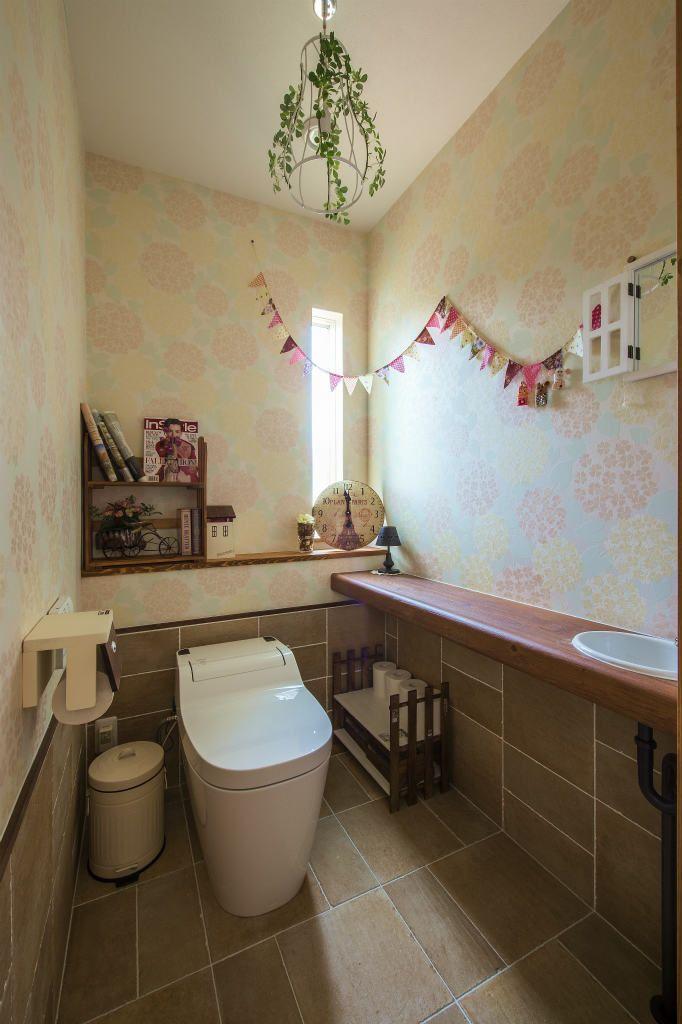 木のぬくもりを感じる アメリカンカントリーの家 注文住宅の事例写真 デザイン集 株式会社スペースラボ トイレのアイデア トイレのデザイン トイレ コーディネート