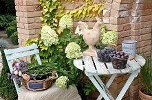 Zobacz zdjęcie ceramiczna figurka, kogut, kosze metalowe, sielska dekoracja, dekoracja w ogr...