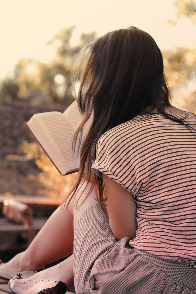 """""""Чтение — не просто удовольствие, но прежде всего свобода. Свобода выбирать, что…"""