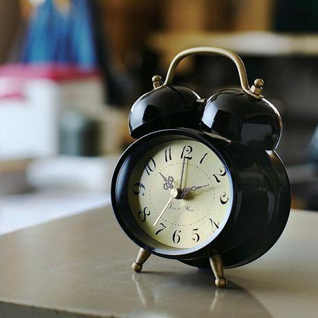*お洒落なメタリックの文字盤の目覚まし時計*テーブルクロック TROTS gaudy -トロッツゴーディ-