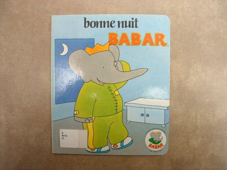 31997000818344 Bonne nuit Babar. C'est la fin de la journée et Babar se prépare pour la nuit.