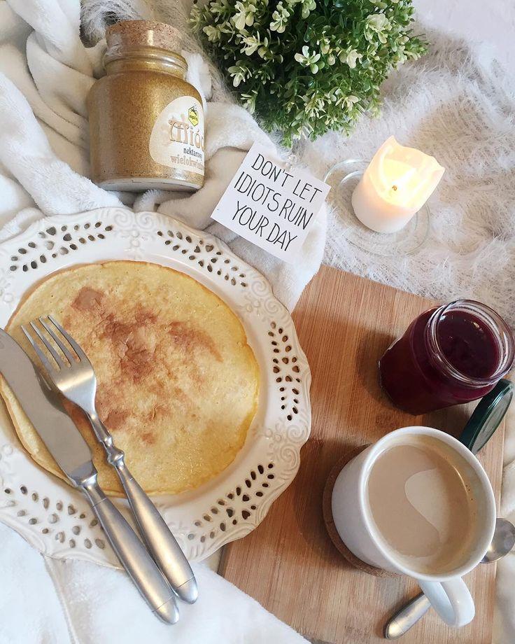 Z takim pięknym śniadankiem witam dzisiejszy dzień �� omlety to chyba moja słabość ostatnio ������ #hello #dziendobry #omlet #omlette #fit #fitomlet #coffee #coffeetime #sweet #cute #interior #inspiration #white #wiosna #spring #sun #sunshine #plant #mieszkanie #wnętrze #decor #food #foodporn #breakfast #sniadanie #sniadanko #świeczka #goodday #goodmorning #home http://w3food.com/ipost/1499950931079522051/?code=BTQ5Wy7gucD