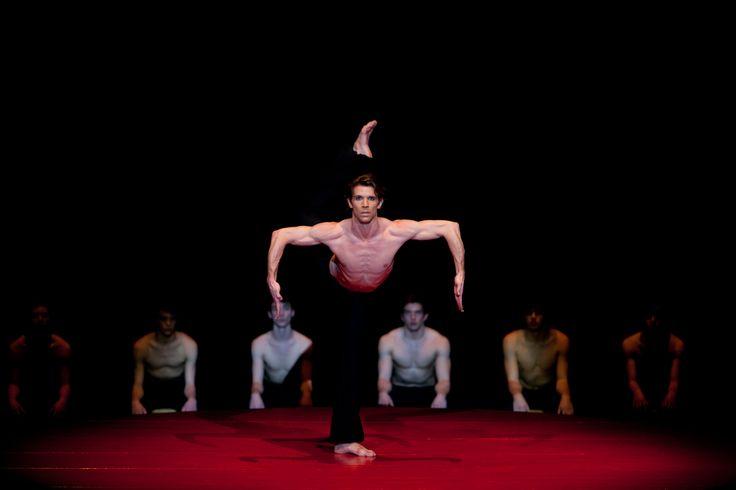 Béjart Ballet Lousanne - ph. Ilia Chkolnik