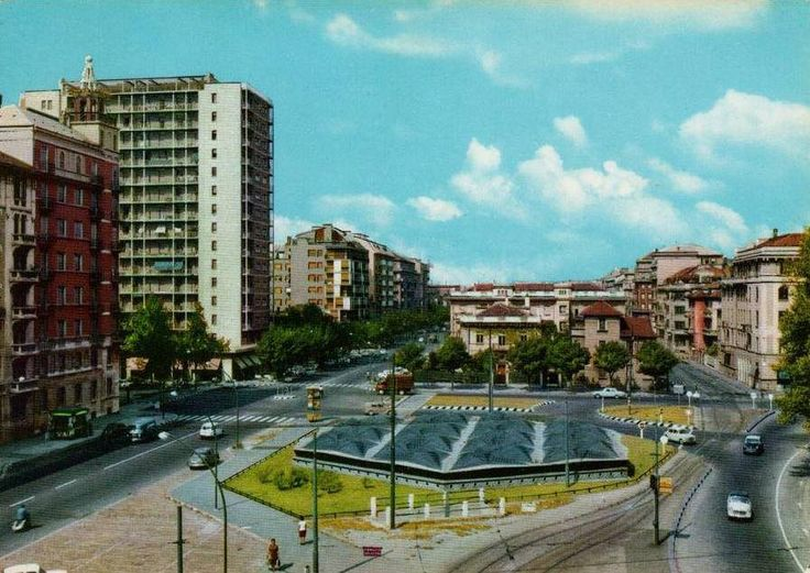 Piazza Amendola, fine anni '60