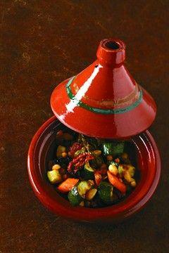 Tajine de légumes, amandes et épices  (Tajine of vegetables, almonds and spices)