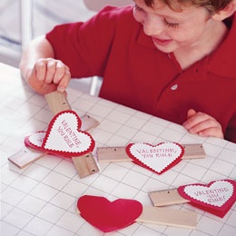 This is such a cute Valentine's day craft.: Valentines Ideas, Gifts Ideas, For Kids, Valentines Day Ideas, Valentines Gifts, Valentines Day Crafts, Homemade Valentines, Valentines Cards, Valentines Day Cards