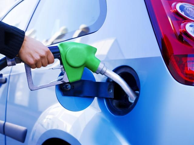 Locate the Cheapest Gas In Your Area with These Tools