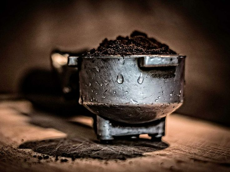 Mi mással indíthatnánk a napot, mint egy csésze finom, forró kávéval? A szervezetünkre gyakorolt pozitív hatásai mellett egyéb okok miatt is hasznos lehet a kávé.