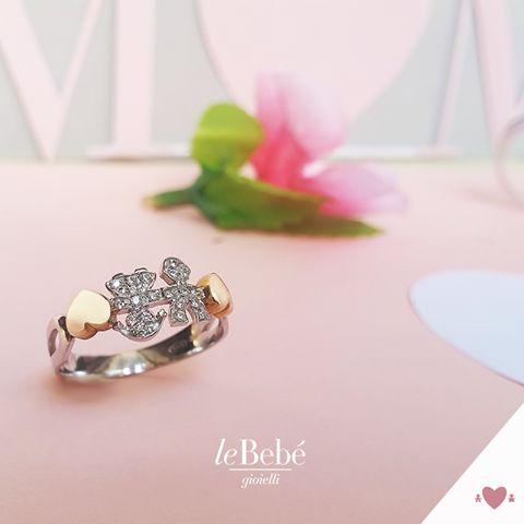 Anello Girocuore di leBebé Gioielli, un dolce simbolo dell'amore più bello, quello di una mamma per il suo bambino! :) Scopri la collezione sul nostro sito http://www.lebebe.eu/it/collezioni/i_Girocuore #fieradiesseremamma #lebebé #gioielli #anelli