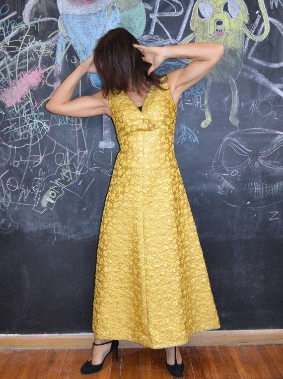 Esclusivo vestito da sera di produzione sartoriale, anni '50, in broccato dorato