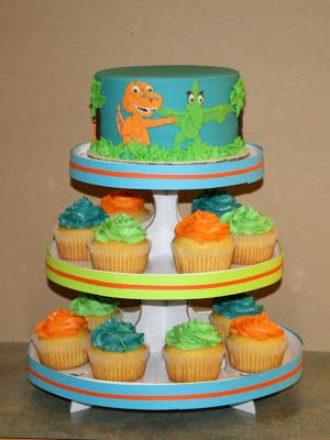 Party Cakes: Dinosaur Train Cake & Cupcake Display