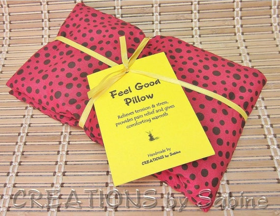 Feel Good Neck Pillow Hot Cold Pack Shoulder Back Corn Pillow Heat Wrap Cooling Pad Red Dots $15