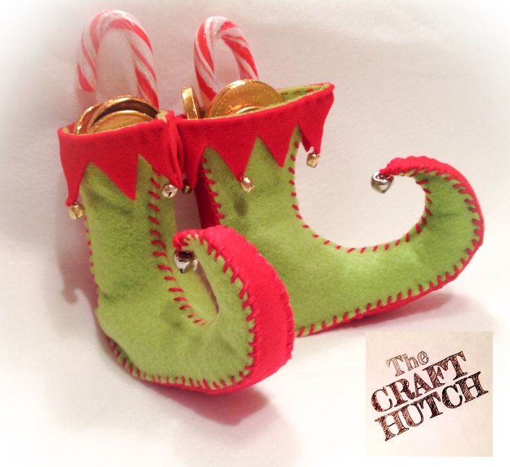 Christmas Decoration - Pair of Small Elf Shoes  - pinned by pin4etsy.com