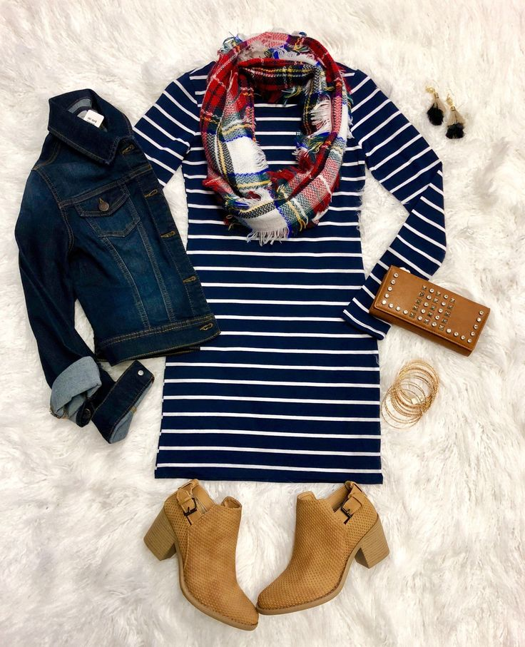 She's Looking at You Tunic Dress: Navy from privityboutique