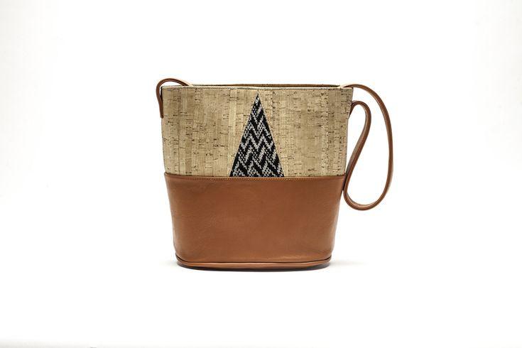 Interamente fatte a mano con materiali inediti e un design pulito e moderno: sono le #borse originali di Bistrusso