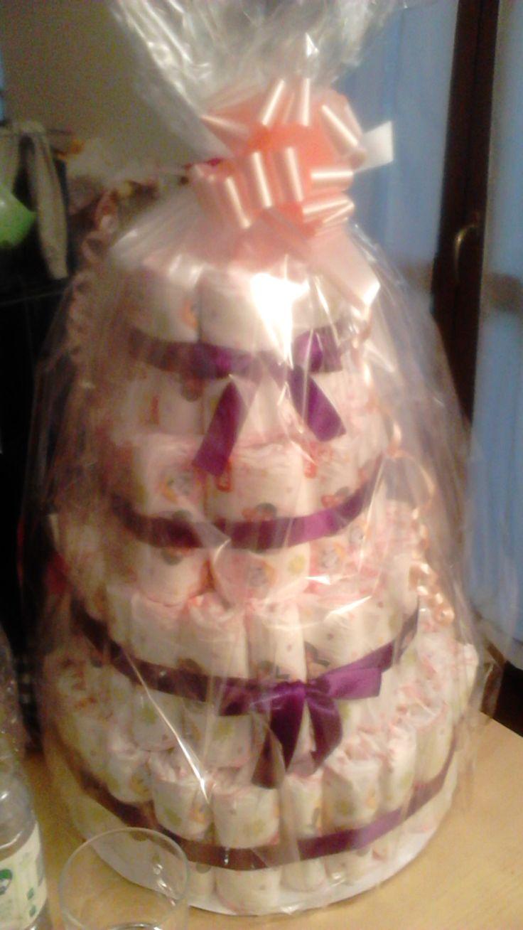 torta di pannolini - regalo per Battesimo di un bimba