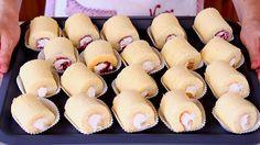 Rotolini ripieni alla frutta in tre gusti, all'ananas, alle pesche, ai frutti di bosco, per un coloratissimo buffet da compleanno per i bambini