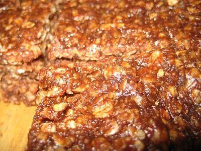 Gezonde Snickers Havermout koekjes (zonder bakken) - De Bakparade