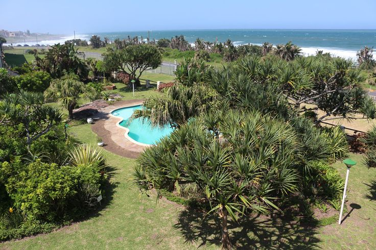 La Corsica 13, Sleeps up to 7 - Max 6 Adults - situated in the family favourite holiday destination of Uvongo and offers quality accommodation. The unit is a double storey. Guests only need to walk through the garden, cross the road and they'll be on the rocks and sand. #uvongo #kznsouthcoast #margate #accommodation #where2stay #selfcatering