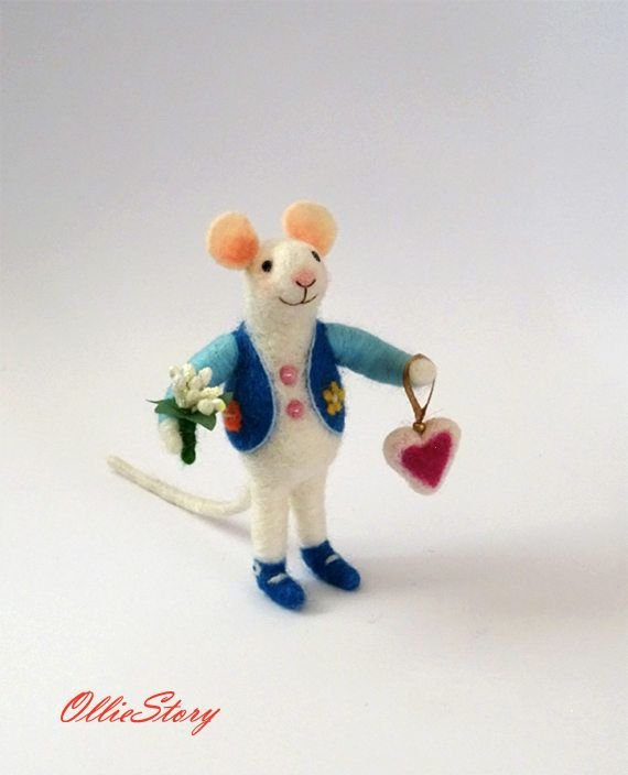 Felt mouse Birthday Gift for her Handmade toy Woll mouse