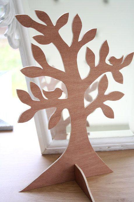 Wooden tree 24 cm high - jewelry display holder -- Sieradenboom, juwelenboom