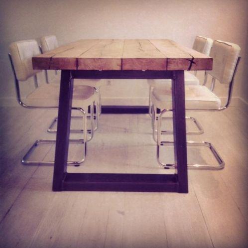 Marktplaats.nl - industriele tafel grote robuuste eiken tafel oude balken - Tafels | Eettafels
