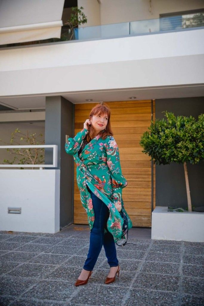 "How to love the dress-over-jeans look this spring http://www.happilychic.com/dress-over-jeans-outfit/ Spring is definitely the time for floral dresses. I think it has something to do with the blossoming nature around us. It inspires us to blossom stylistically too! However, the usual ladylike duo ""floral dress - …"