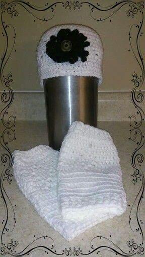 Leg warmers and beanie