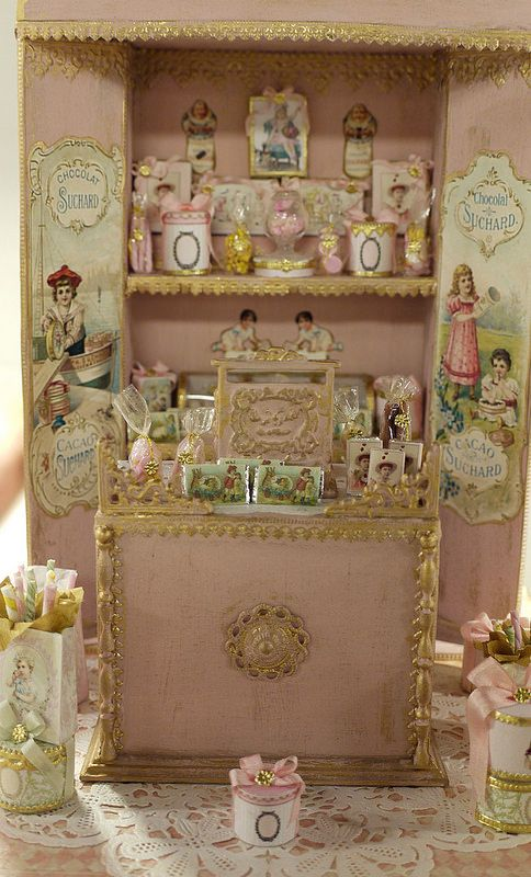 Dollhouse Miniature SweetShop Display by Le Coffre d'Emilie.  For of full board of Dollhouse Miniatures by Le Coffre d'Emilie pins with 'No Pin Limits',  Click here:  https://www.pinterest.com/annesminis/~-fav-minis-le-coffre-demilie-~/