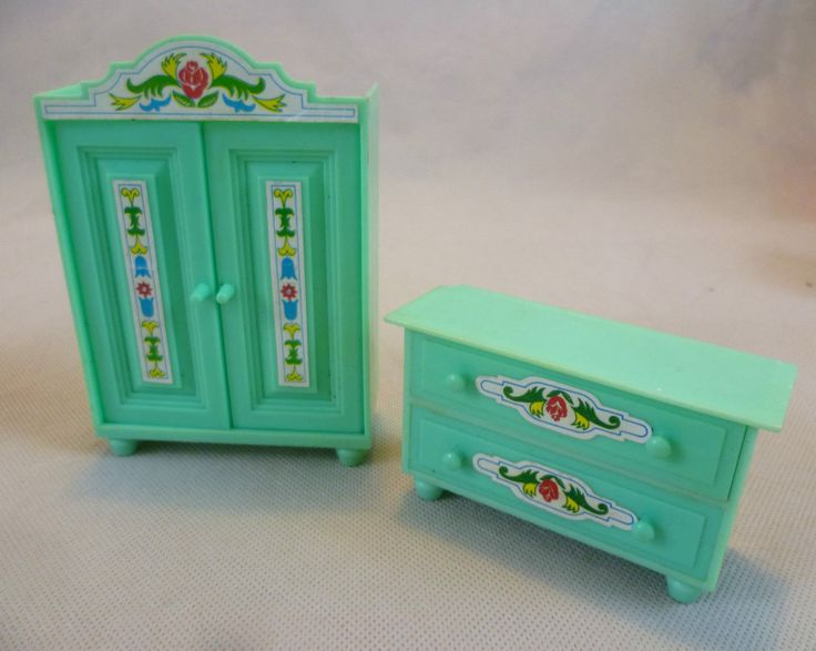 Vintage Dolls House Jean West Germany Green Plastic Chest Of Drawers & Wardrobe | eBay
