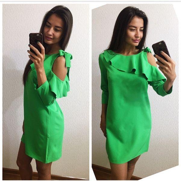 Одежда Свободное платье из костюмки рукав 3/4 сверху волан светло-зеленое
