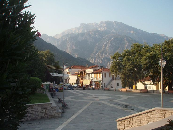 Konitsa, Konitsa municipality, Ioannina prefecture, Greece-Central square