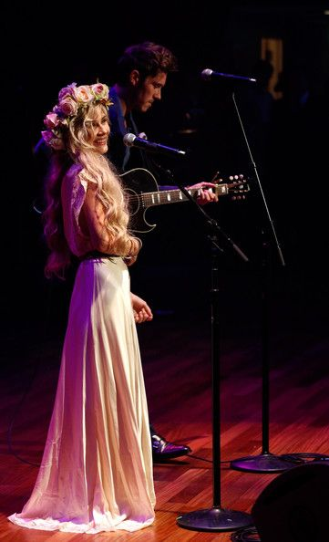Beautiful Clare Bowen, Nashville