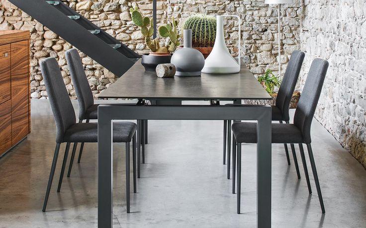 Las sillas Club, de la firma Calligaris, son perfectas para completar tu comedor.   #Atelier #Casa #Home #Calligaris #Decoration #Livingroom #Design