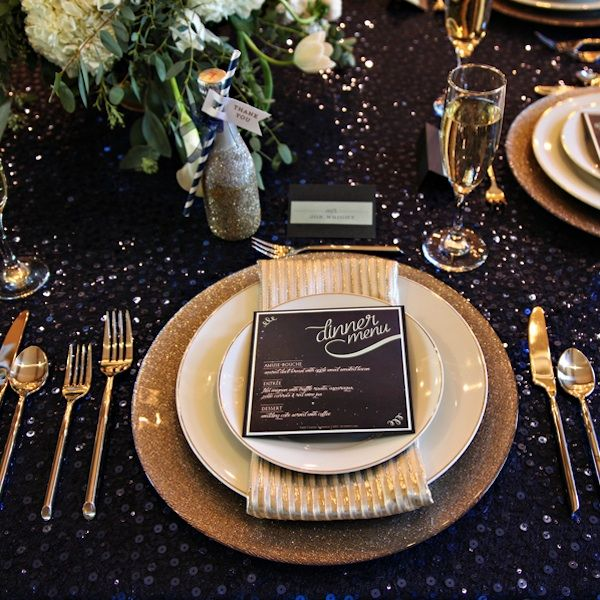 Starry Night themed weddings are the absolute best. You can never go wrong with glitter!