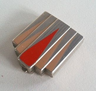 """I have avoided """"pinning"""" compacts.because there are just so many.  But this one?  I just imagine it is a cigarette case."""